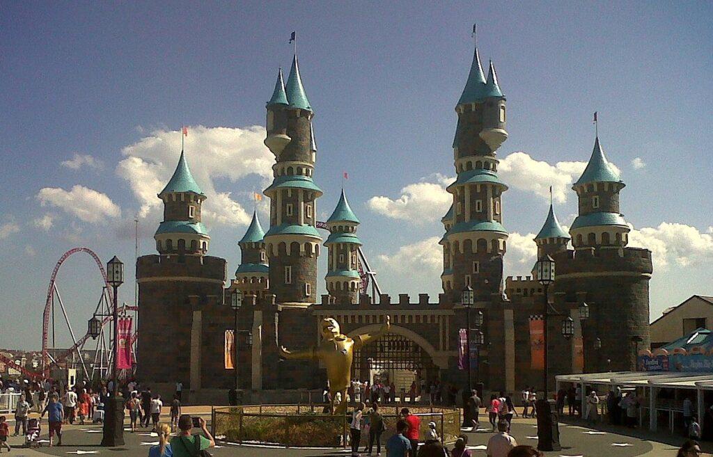 Vialand_Theme_Park,_İstanbul
