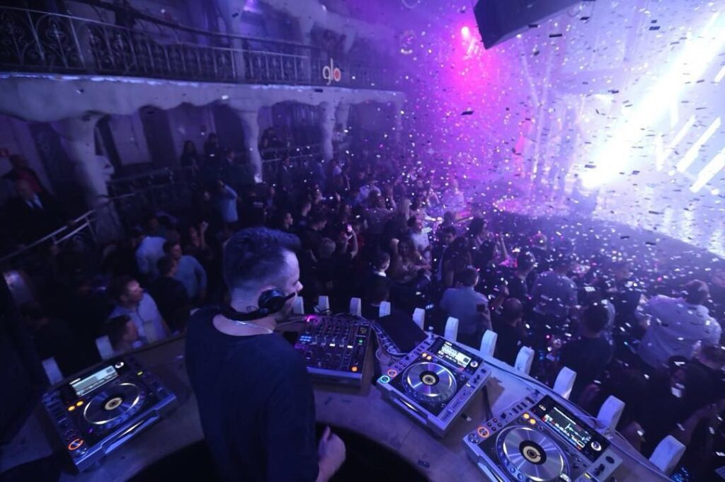 club-nightlife-at-moscow