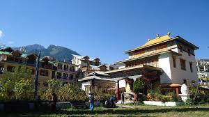 Buddhist-temple-manali