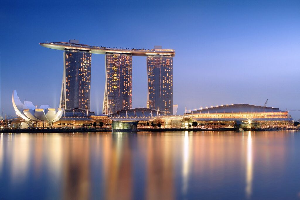 Marina_Bay_Sands_in_the_evening