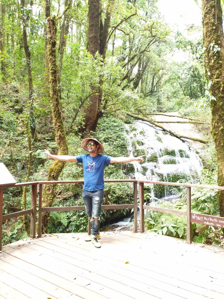 waterfall_at_doi_inthanon_park