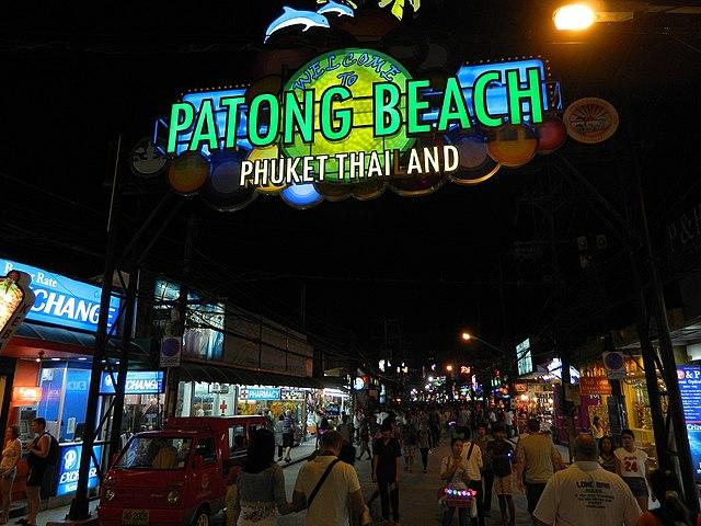Patong_beach_phuket_thailand_nightlife