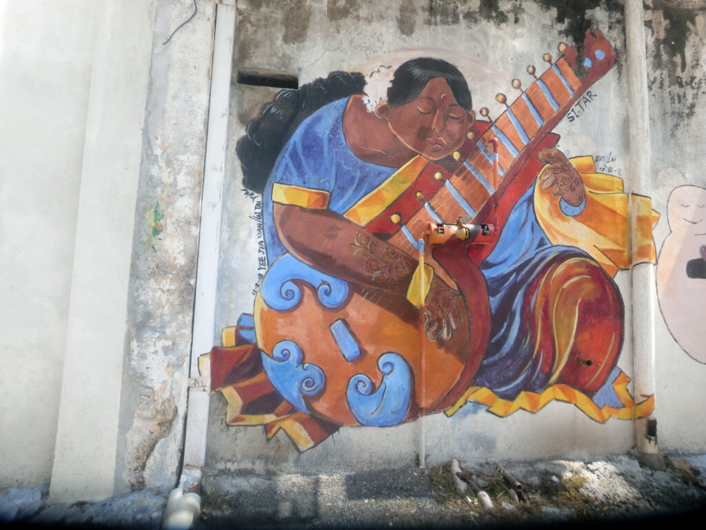 lady-with-a-sitar-on-the-walls-of-ipoh-street