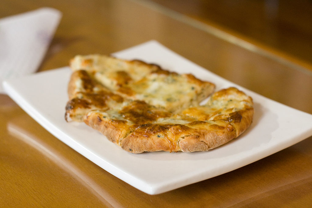 Cheese_Naan_indian_food