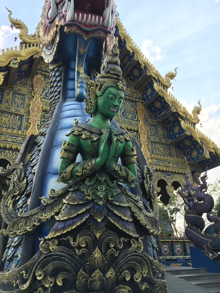 Entrance_of_Blue_temple
