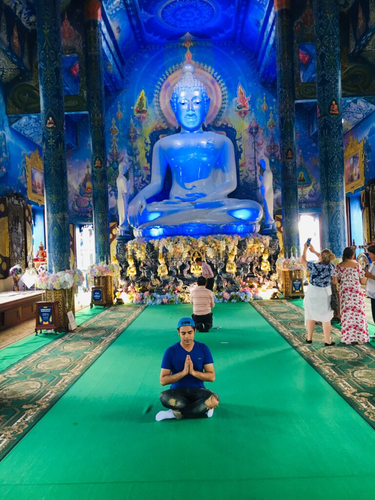 Inside_the_blue_temple
