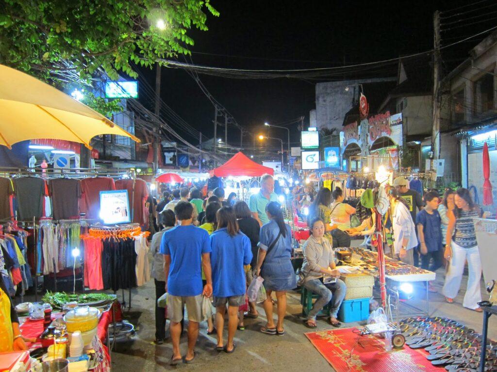 Sunday_market_chiangrai
