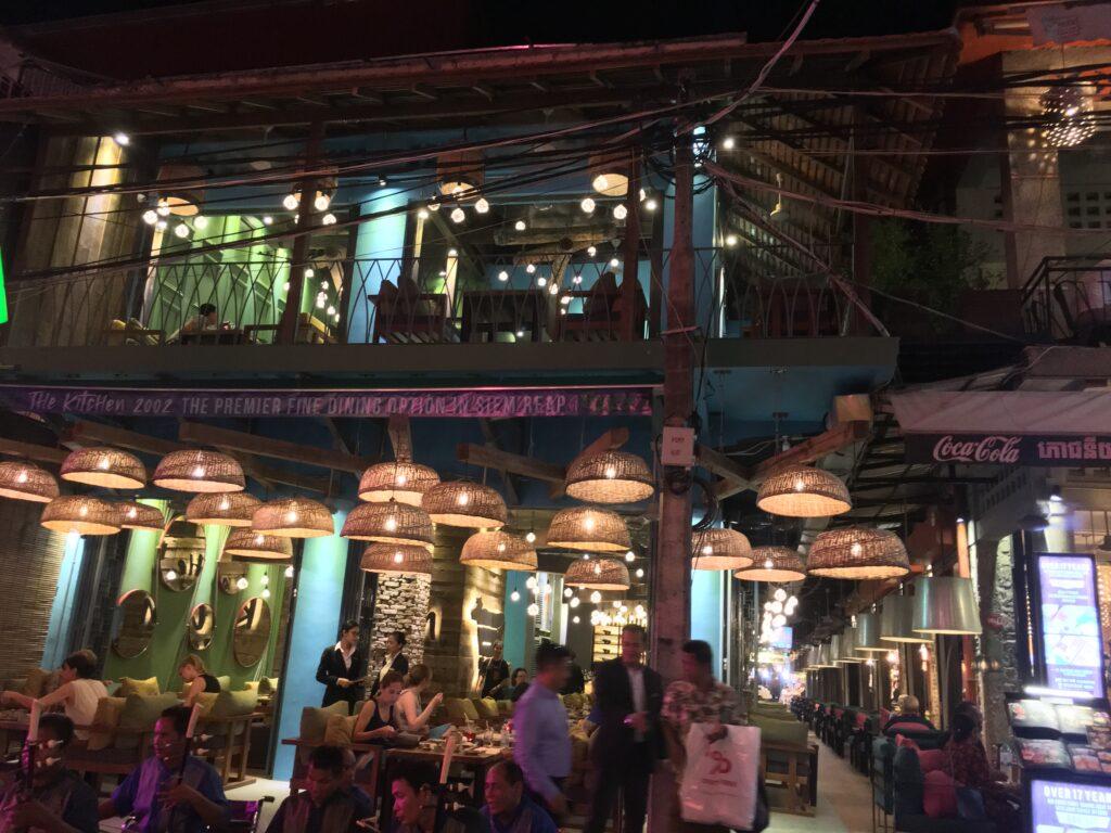 restaurant_at_pub_street_cambodia