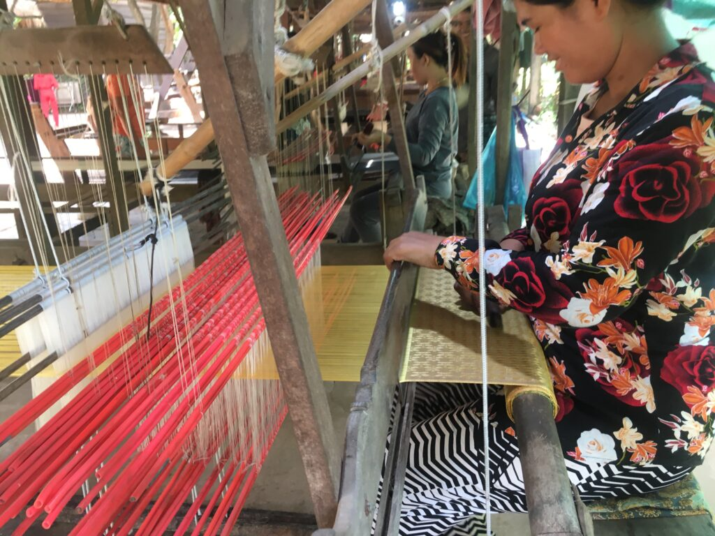 weaving-one-of-the-major-Attractions-in-Cambodia