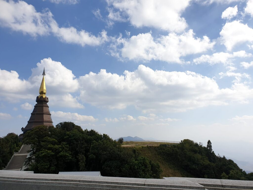 Highest_spot_at_Doi_Inthanon_temple_and_park