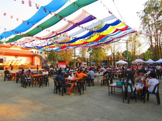 Saturday_night_market_chiangrai