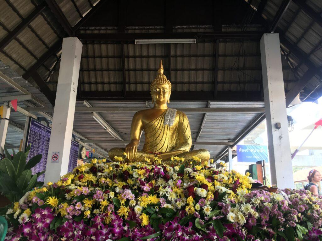 temple-of-ayoydhya-in-thailand