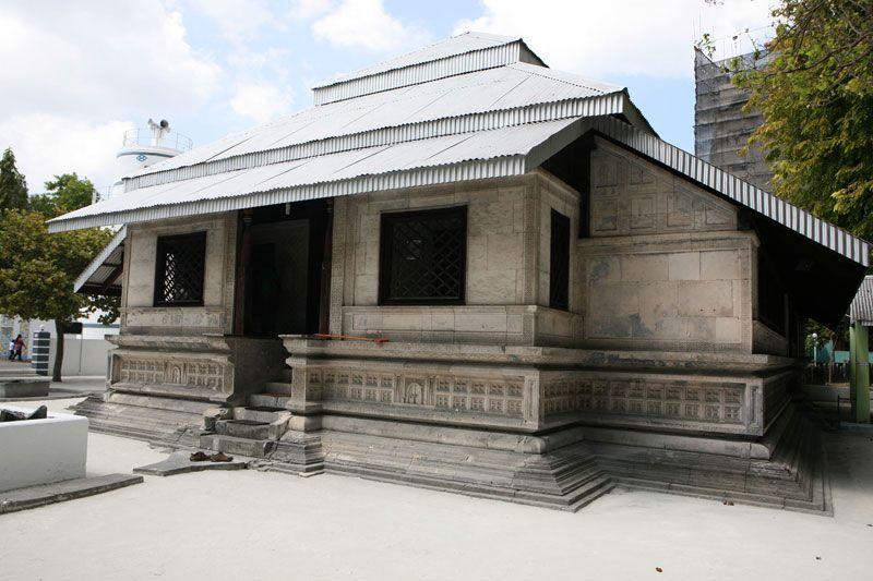 hukuru-miskiy-old-friday-mosque-male